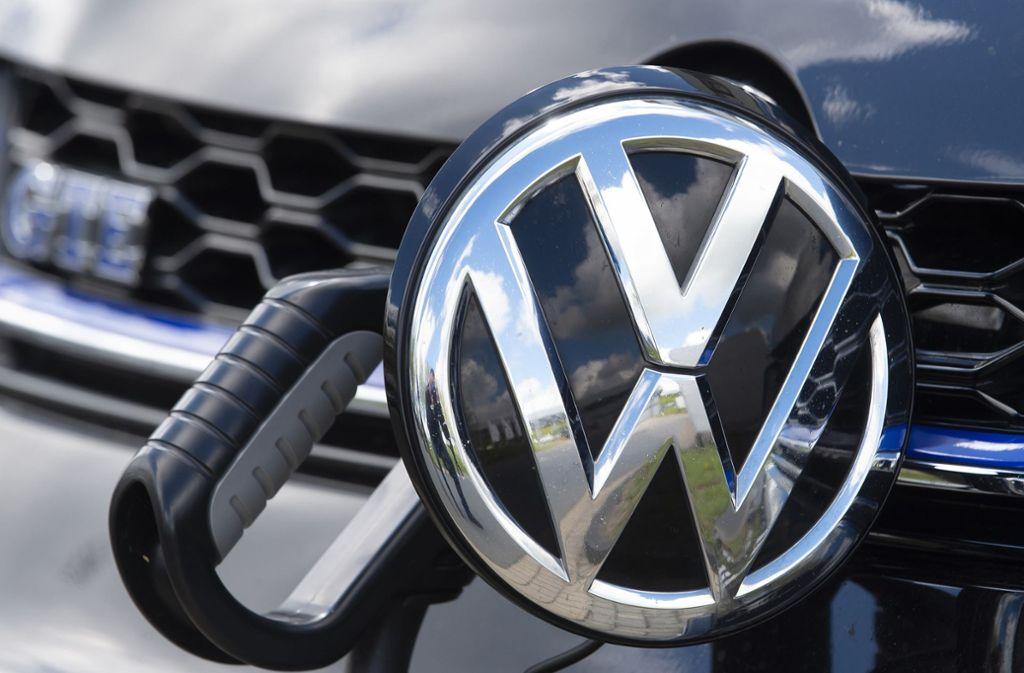 VW will 2500 IT-Experten einstellen. Foto: AP/Jens Meyer