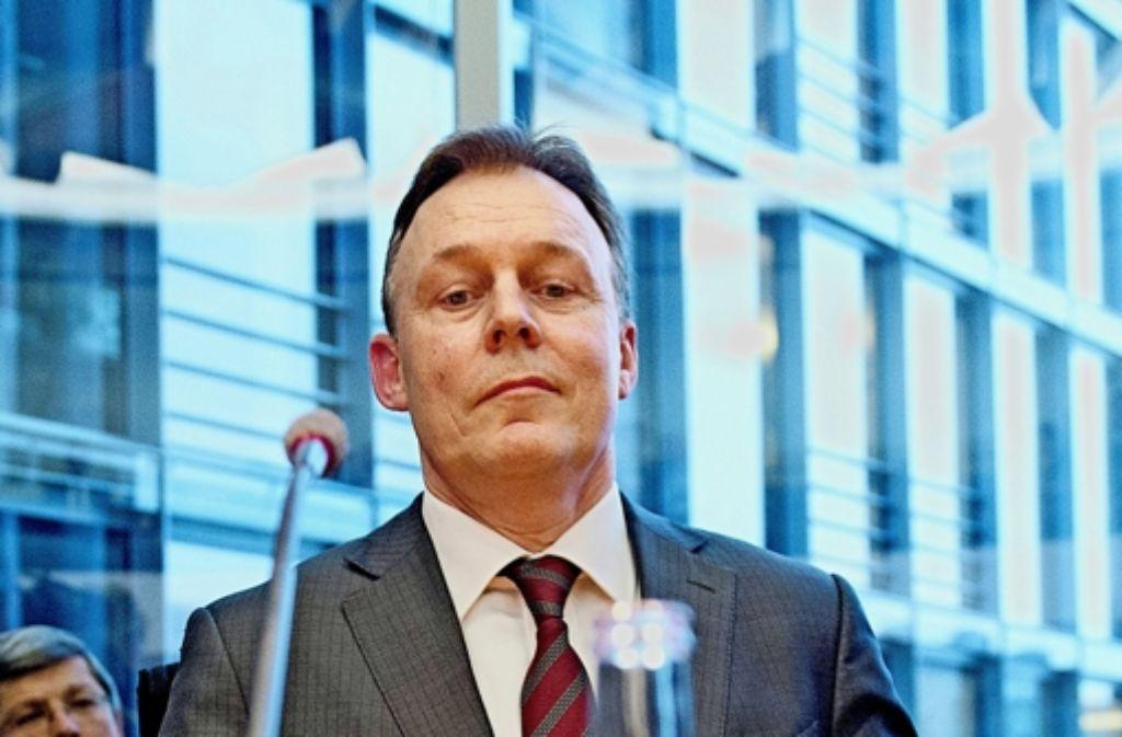 Erkennbar angestrengt: Oppermann vor seiner Aussage im Innenausschuss Foto: dpa