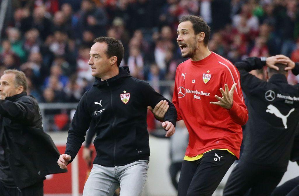 Trainer Nico Willig und Jens Grahl hielt es am Spielfeldrand nur selten auf den Sitzen. Foto: Pressefoto Baumann