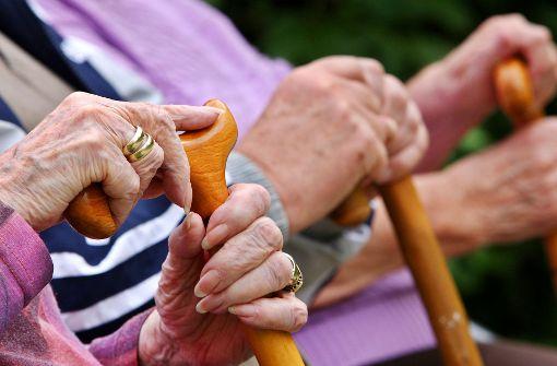 Altersarmut trifft häufig    Frauen