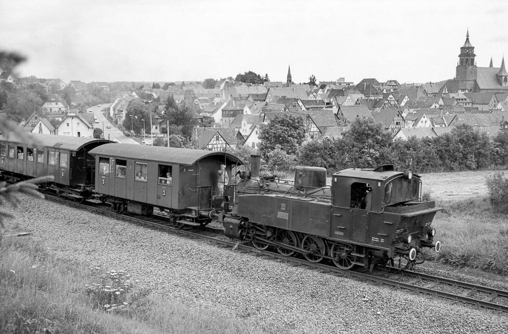 Die Hesse-Bahn soll auf den Schienen der Schwarzwaldbahn fahren –  also auch durch den Kreis Böblingen rollen. Foto: Burkhard Wollny