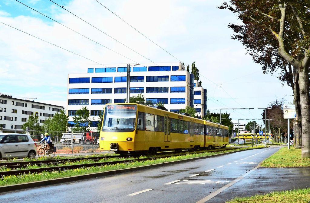Der Verkehr ist ein wichtiges Thema. Stadt und WIV wollen mehr Pendler zum Umstieg auf den ÖPNV bewegen. Foto: Hintermayr