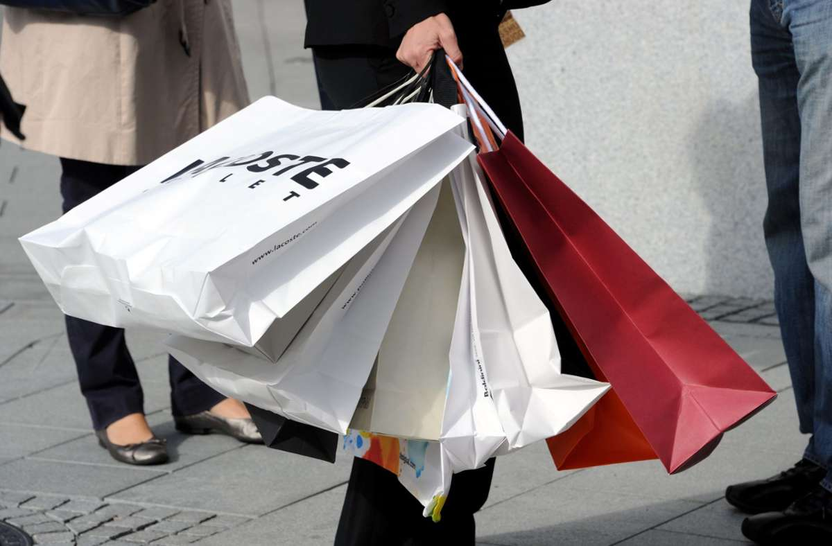 Nur langsam entwickelt sich wieder eine Kauflust bei den Verbrauchern. Foto: dpa/Carsten Rehder