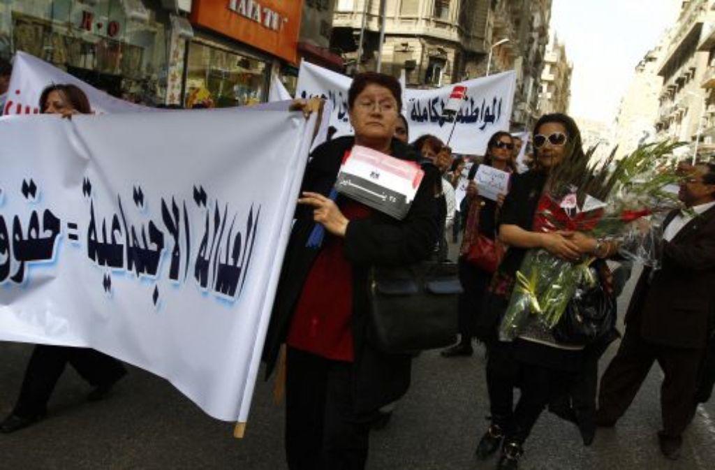 Beim internationalen Frauentag im März fordern ägyptische Frauen soziale Gerechtigkeit und ein Ende der sexuellen Übergriffe. Foto: AP