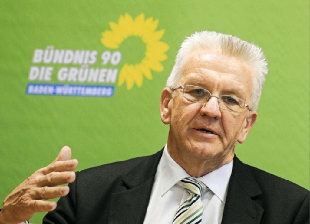 Ministerpräsident Winfried Kretschmann teilt Kritik aus. Foto: dapd