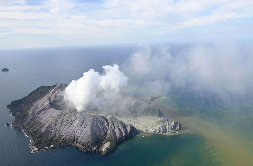 Gegen 14.11 Uhr Ortszeit brach der Vulkan auf der Insel White Island aus. Foto: dpa/George Novak