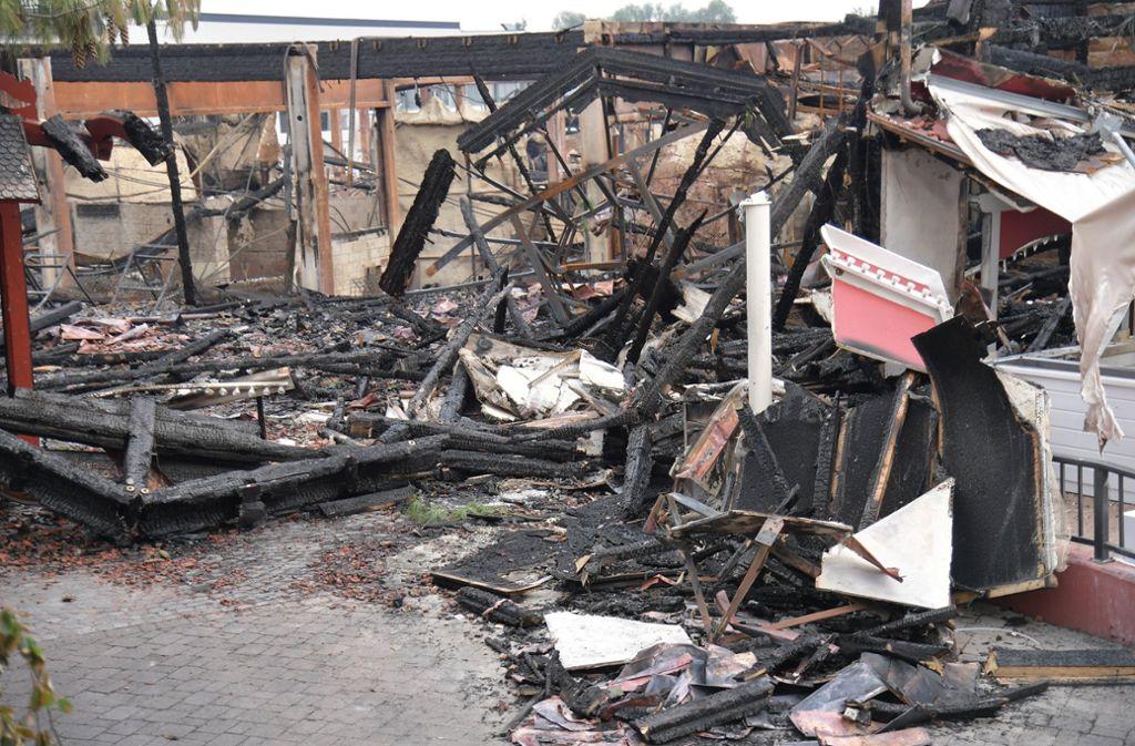 Ein Großbrand im Europa-Park hat Teile des Themenparks zerstört. Foto: dpa