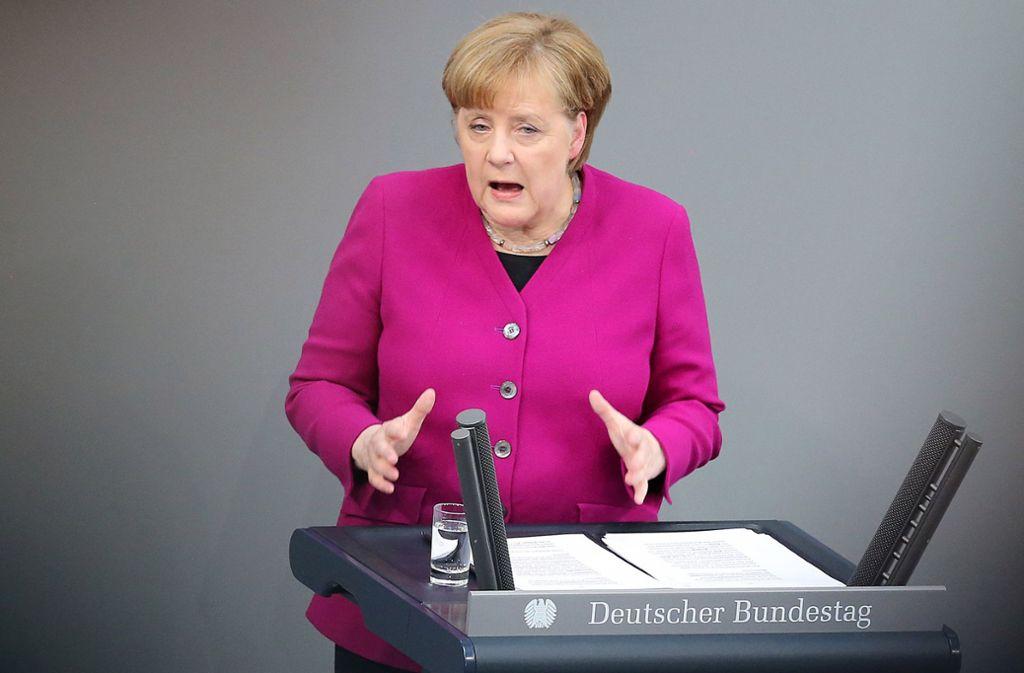 Den sozialen und gesellschaftlichen Zusammenhalt stärken, Polarisierungen abbauen – das soll das Leitmotiv der neuen Regierung von Angela Merkel sein. Foto: dpa