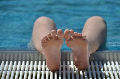 Karlsruher Schwimmbad eröffnet die Freibad-Saison