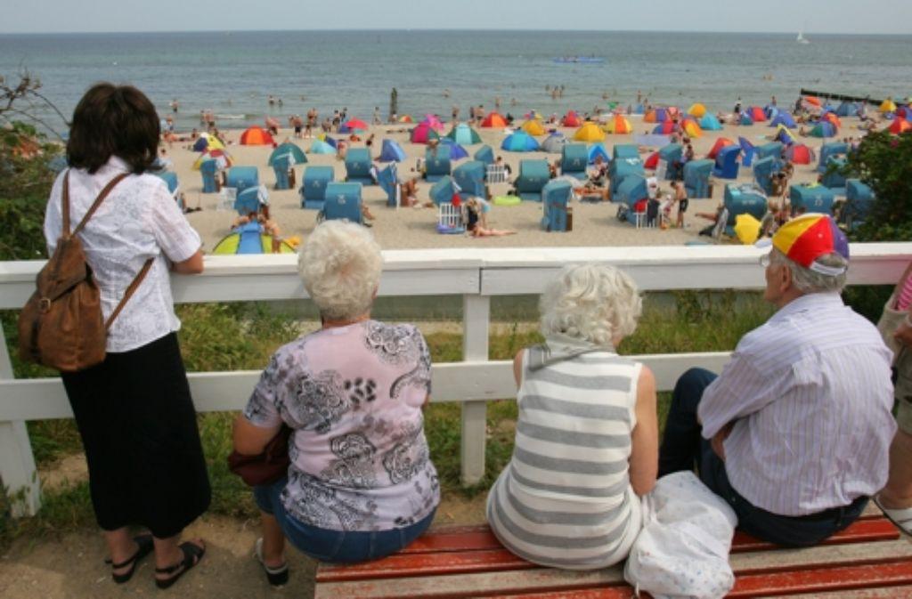 Fernreisen bringen für Ältere zwar mehr Risiken, aber auch  schöne Erlebnisse. Foto: dpa