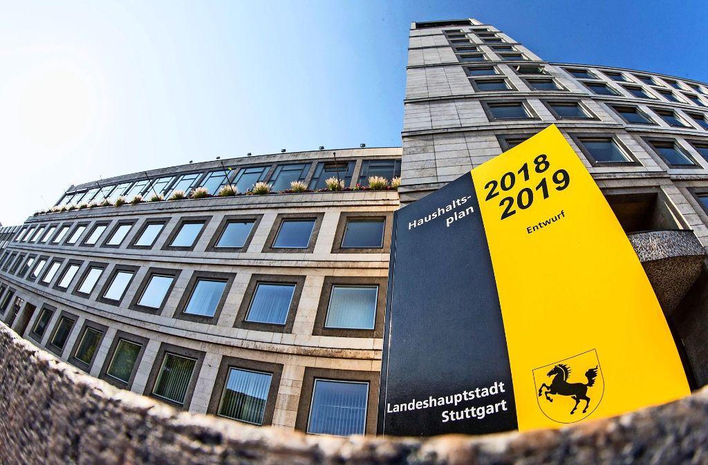 Im Stuttgarter Rathaus wird  am 15. Dezember die endgültige Entscheidung getroffen, wie der Haushalt aussehen wird. Foto: Lichtgut/ Piechowski