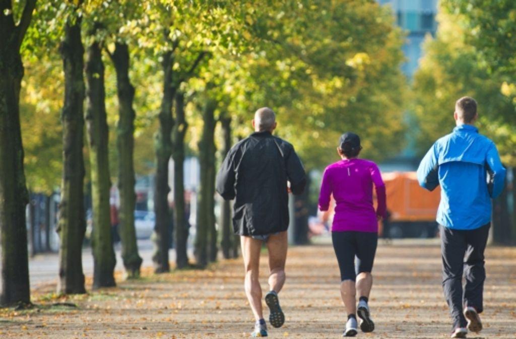 Laufen ist Volkssport Nummer Eins. Die Bildergalerie zeigt die neusten Lauf-Gadgets, die den Sportler beim Joggen unterstützen können. Foto: dpa
