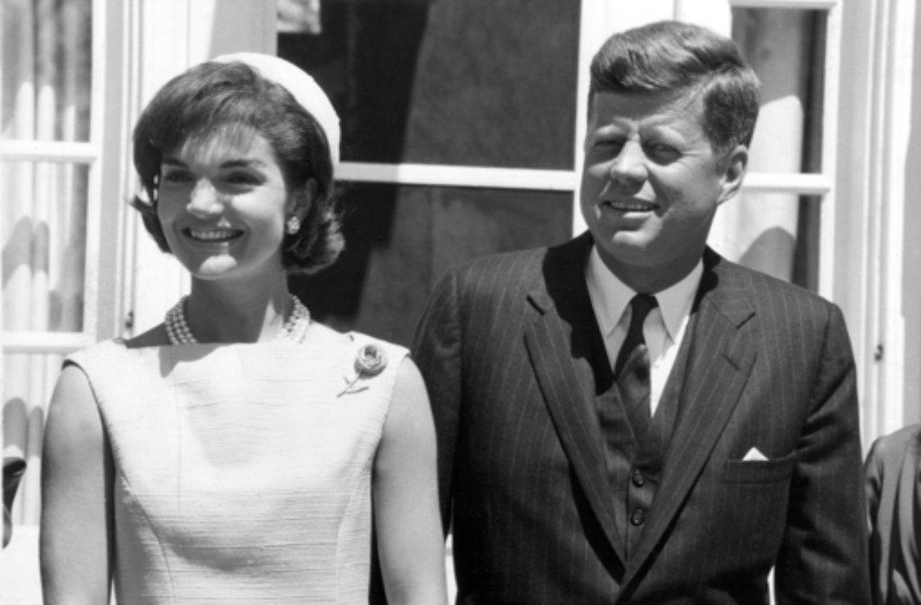 So wie dieses dem einen oder anderen noch bekannte Paar darf man sich wohl Mr. und Mrs. Senator Joe  Keneally vorstellen. Foto: dpa
