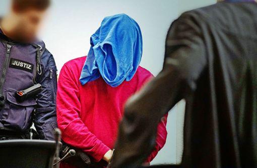 In Chatprotokollen bezeichnet sich der Angeklagte als schizophren