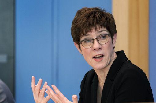 CDU-Chefin pfeift Parteikollegen bei Mindestlohn zurück