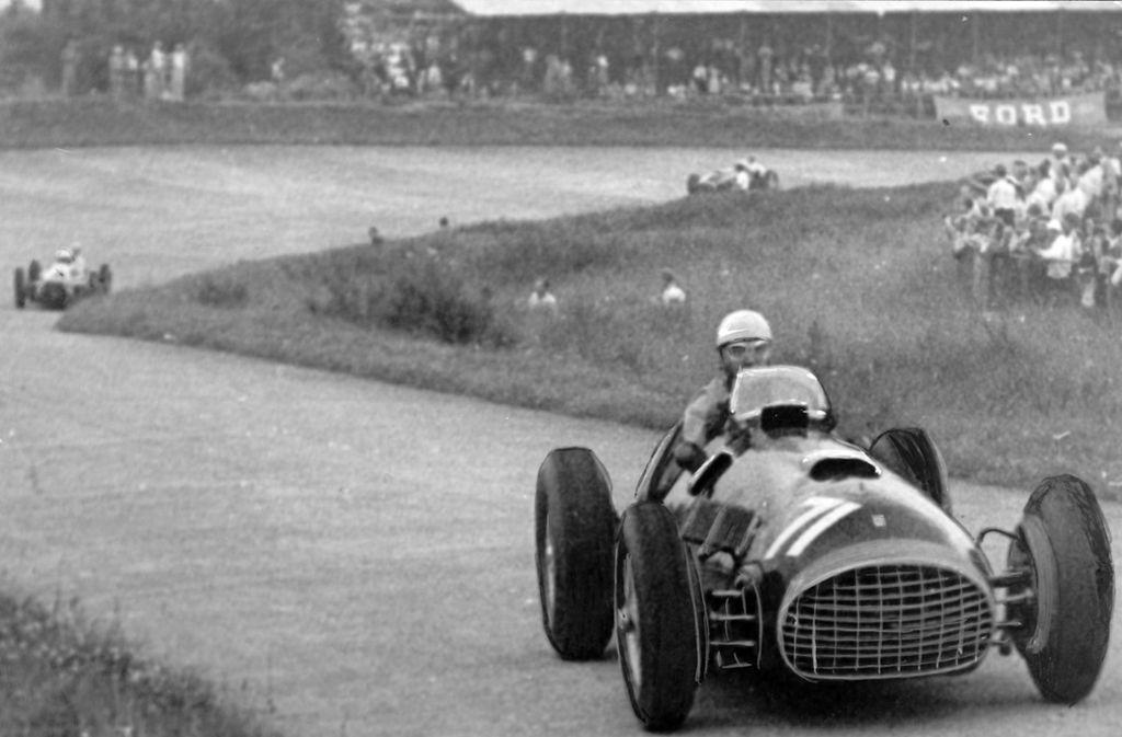So sah die Formel 1 in ihren ersten Jahren aus: Der Italiener Alberto Ascari  rast über den Nürburgring. Foto: dpa