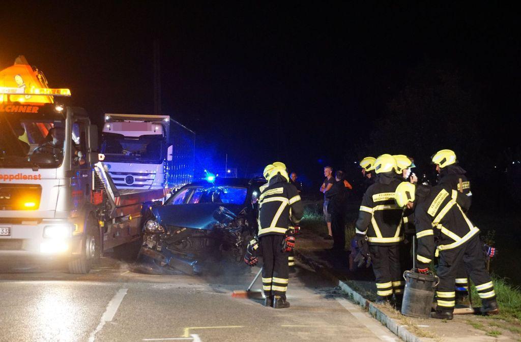 Bei einem schweren Verkehrsunfall im Kreis Göppingen wurden vier Menschen verletzt. Foto: SDMG