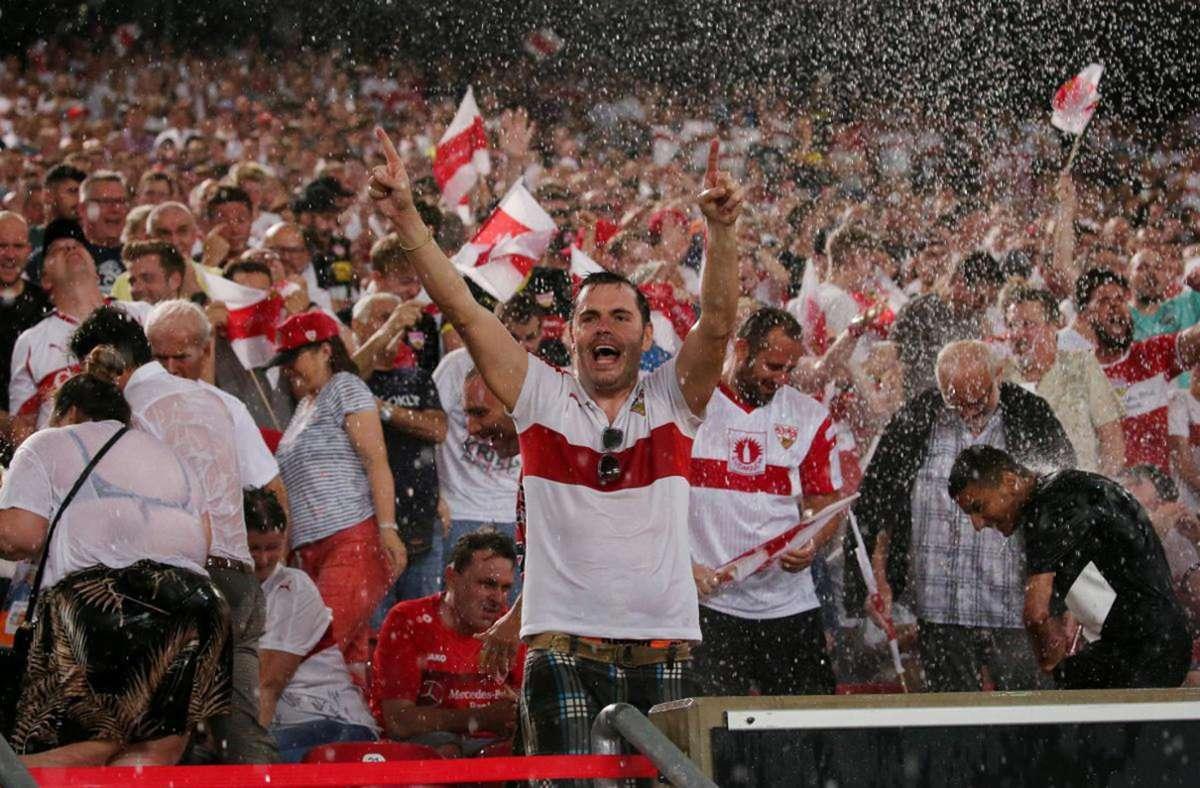 Wann dürfen VfB-Fans wieder gemeinsam im Stadion jubeln? Foto: Baumann