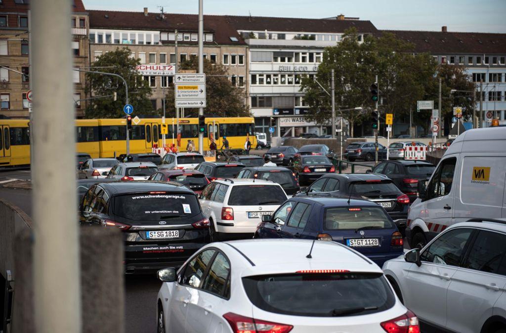 Insbesondere die CDU in der grün-schwarzen Landesregierung hofft, dass Fahrverbote zumindest für Diesel der Euronorm 5 in Stuttgart vermieden werden können. Foto: Lichtgut/Max Kovalenko
