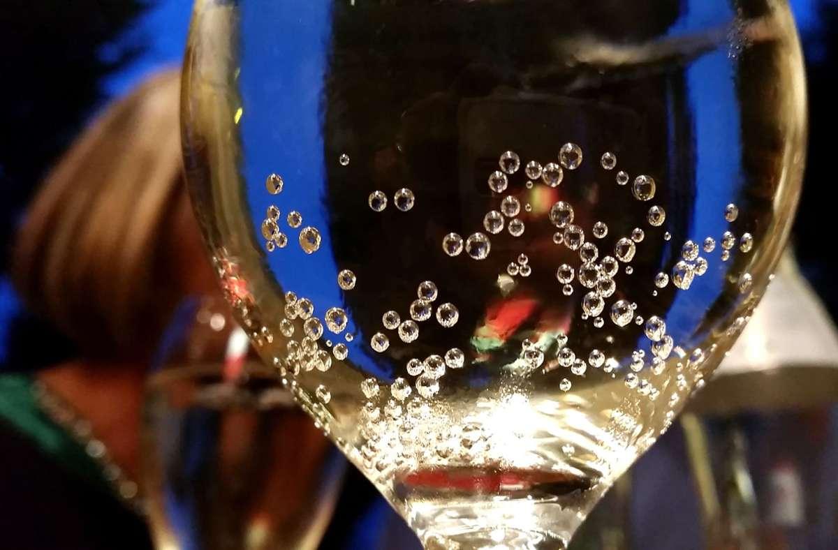 Was die Frau getrunken hatte, ist nicht bekannt. Nur dass es offensichtlich mindestens ein Glas zuviel war (Symbolfoto). Foto: picture alliance/dpa/APA/Barbara Gindl