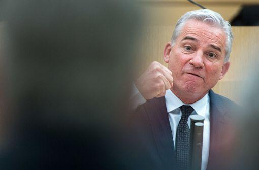 Innenminister Strobl verteidigt sein Vorgehen
