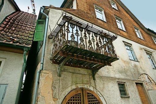 Das ehemalige Bürgermeisterhaus soll nach der Sanierung neuen Glanz in die Beurener Ortsmitte bringen. Foto: Horst Rudel