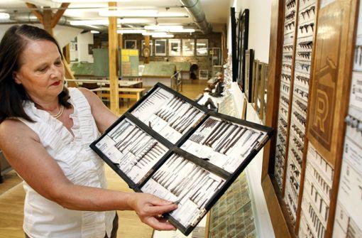 Im Nagelmuseum knallen die Sektkorken