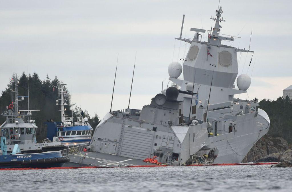 Eine Norwegische Fregatte ist am Donnerstag vor Bergen mit einem Tanker zusammengestoßen. Foto: NTB scanpix