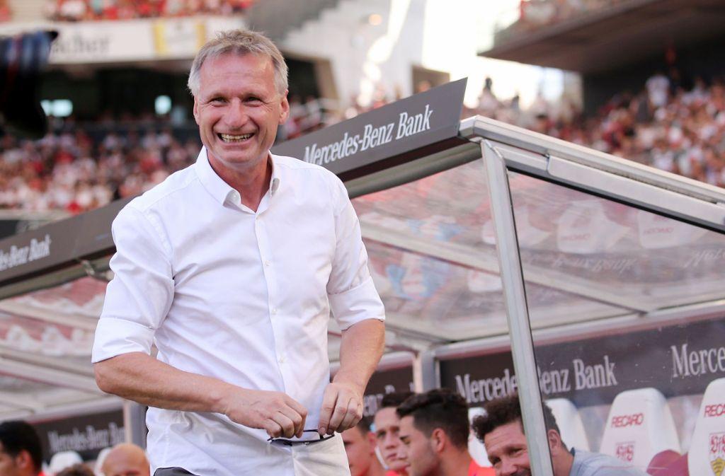 Michael Reschke hat gut lachen – der VfB-Kader steht bis auf vereinzelte Mini-Korrekturen. Foto: Baumann