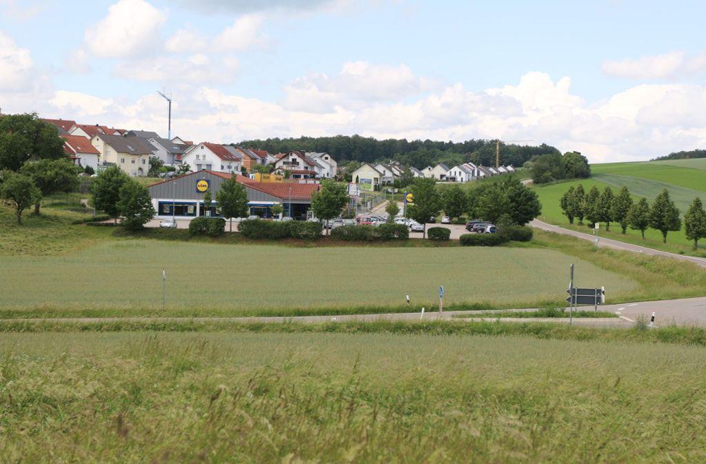 Neben dem Mönsheimer Lidl gibt es noch jede Menge Platz für ein weiteres Geschäft. Foto: Andreas Gorr