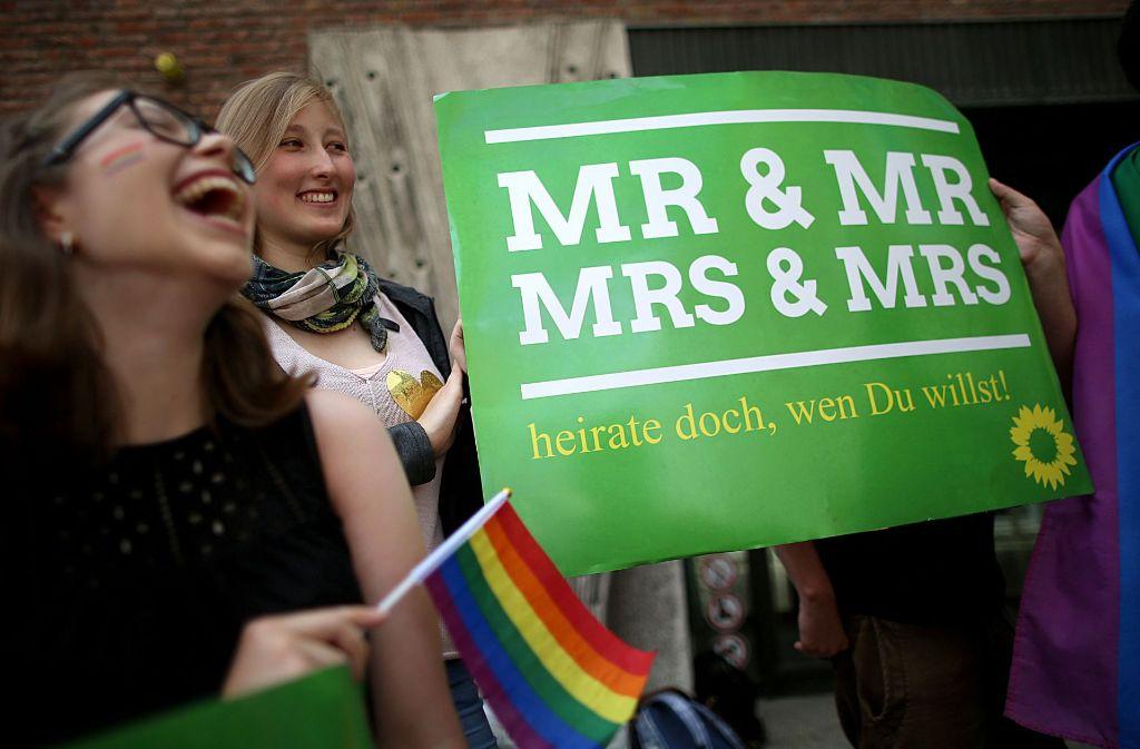 Grüne in Köln feiern die Ehe für alle. Foto: dpa