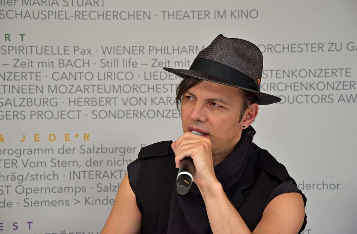 """Teodor Currentzis bei einer Pressekonferenz vor der Premiere von """"Don Giovanni"""" in Salzburg Foto: Salzburger Festspiele/Anne Zeuner"""