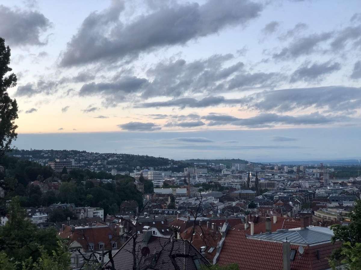 Wir Stadtkinder lieben unsern Kessel – und verraten euch zehn Dinge, die man für ein Leben in Stuttgart braucht.  Foto: Joachim Baier