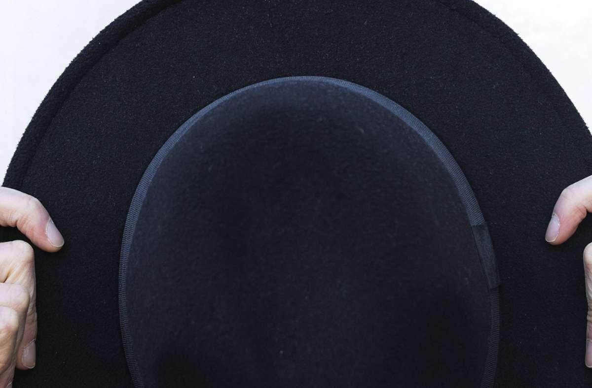 Der Reporter verspeiste Teile seines Huts (Symbolbild). Foto: imago images/Westend61/NOVELLIMAGE
