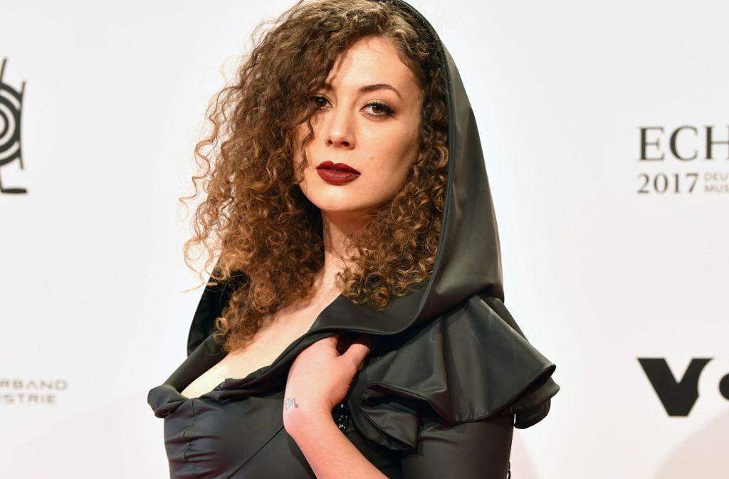 """Leila Lowfire ist eine der Macherinnen des Podcasts """"Besser als Sex"""" – und war auch schon im """"Dschungelcamp"""". Foto: dpa"""