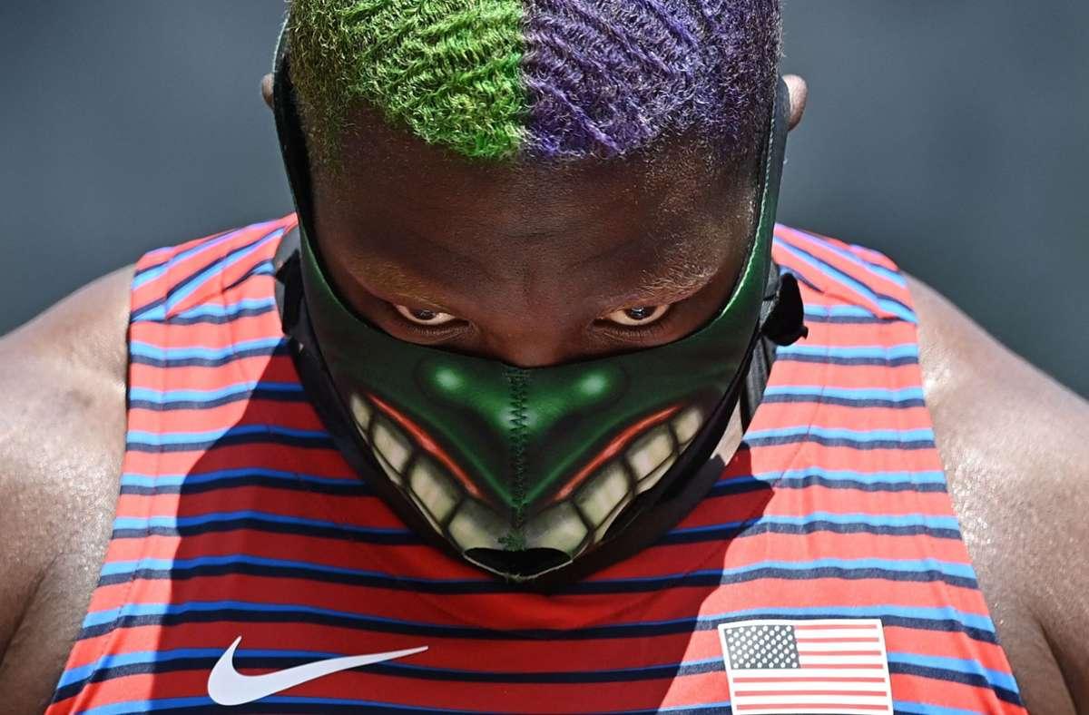 Raven Saunders mit dem bösen Blick. Foto: AFP/BEN STANSALL