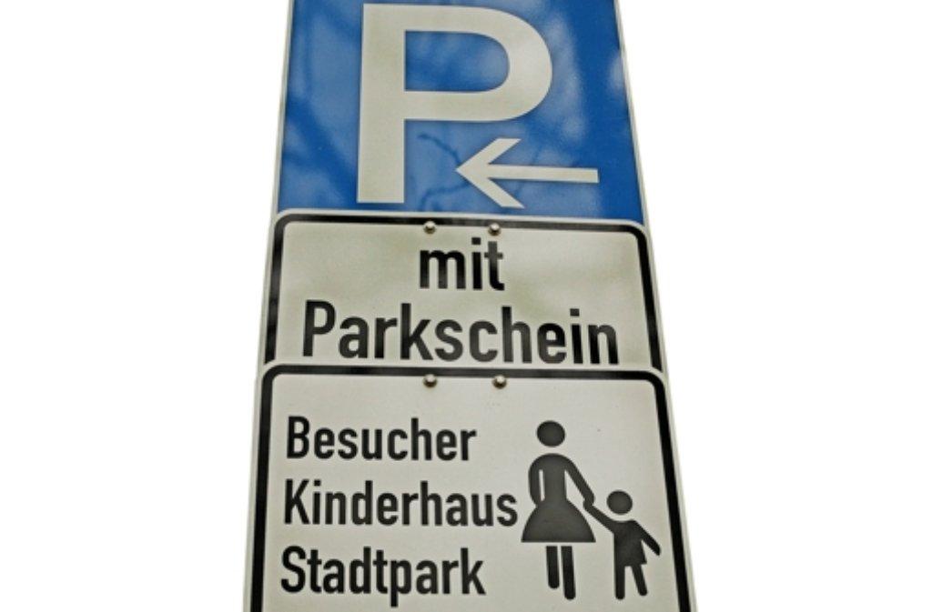 Nur mit Parkschein oder mit Ausnahmegenehmigung darf geparkt werden. Foto: factum/Bach
