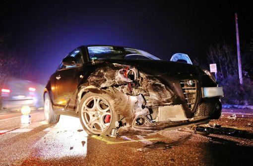 Trotz Gegenverkehr abgebogen – Zwei Verletzte nach Frontalcrash