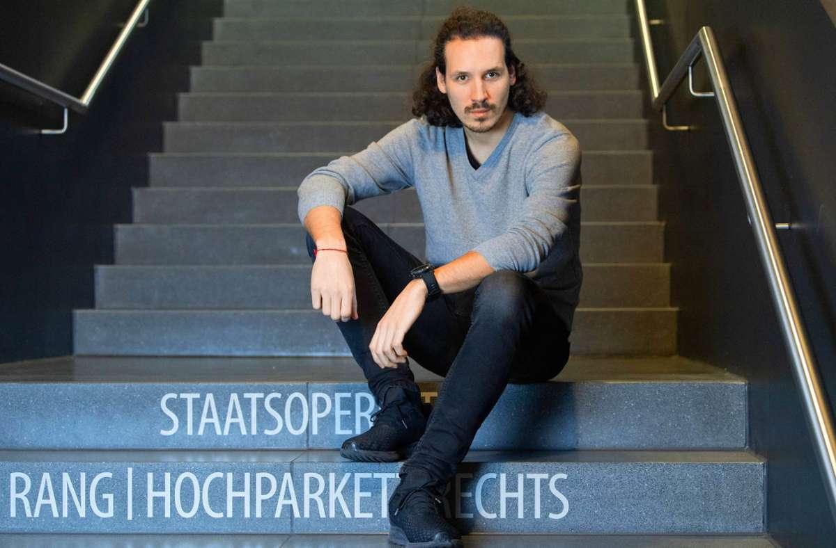 Valentin Schwarz nutzt den Leerlauf produktiv. Foto: dpa/Sebastian Kahnert