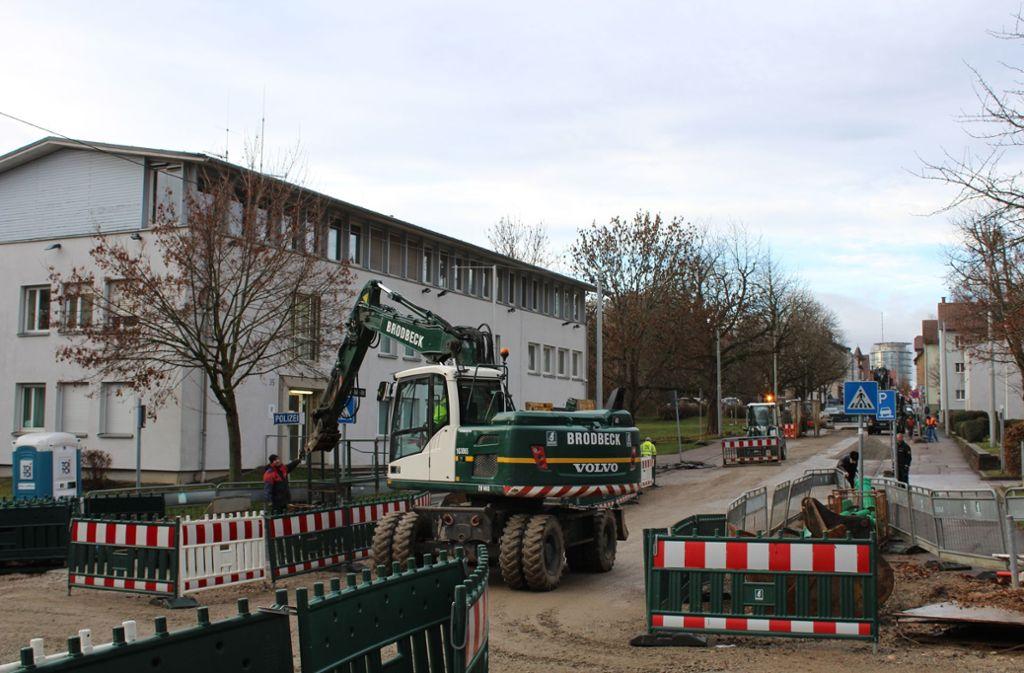 Eigentlich sollte die Baustelle längst beendet sein. Nun heißt es, dass sie noch bis Frühjahr 2019 andauert. Foto: Tilman Baur