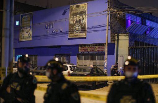 13 Tote nach Massenpanik bei Corona-Razzia