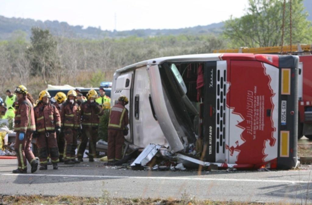 Bei einem schweren Busunglück in Spanien sterben mindesten 14 Menschen Foto: EFE
