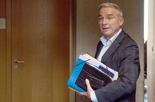 Strobl verteidigt Bekanntgabe von verdeckten Ermittlungen