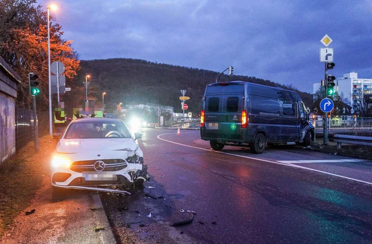 Die beiden Fahrzeuge trugen erhebliche Schäden davon. Foto: SDMG/SDMG / Kohls