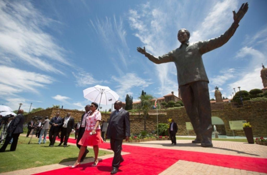 Sie ist gigantisch - in Pretoria wurde eines Statue des verstorbenen Präsidenten Nelson Mandela enthüllt. Foto: Getty Images Europe