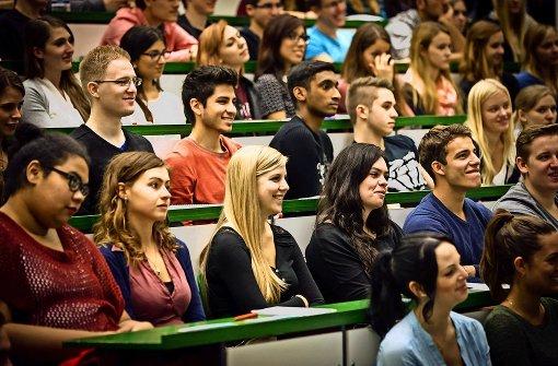 Frauen holen auf – manche werden Professorin