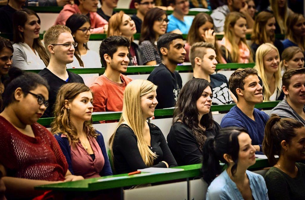 Eröffnungsveranstaltung f. Erstsemester Studenten Uni Hohenheim B1 Hörsaal Okt 2014 Foto: Lichtgut/Achim Zweygarth