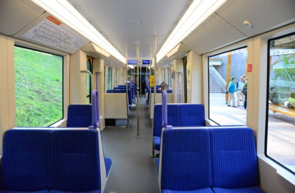 Am Montagabend hat ein junger Mann in einer Stadtbahn der Linie U2 in Stuttgart-Botnang vor einer 39-jährigen Frau onaniert. Foto: FRIEBE PR/Symbolbild