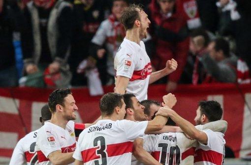 Die Spieler des VfB Stuttgart durften am Ende jubeln. Foto: Bongarts
