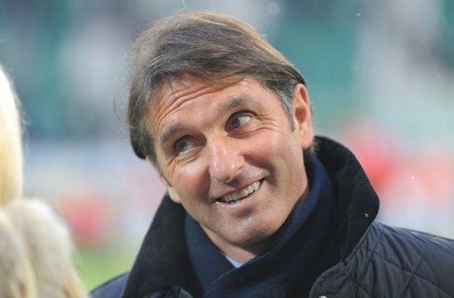 Ein Sieg – und schon ist der VfB-Trainer Bruno Labbadia wieder besser drauf. Klicken Sie sich durch die Bilder vom Spiel in Hoffenheim. Foto: dpa